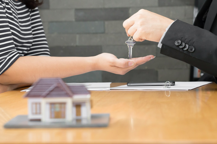 The Pros and Cons of Renting Versus Buying a Home
