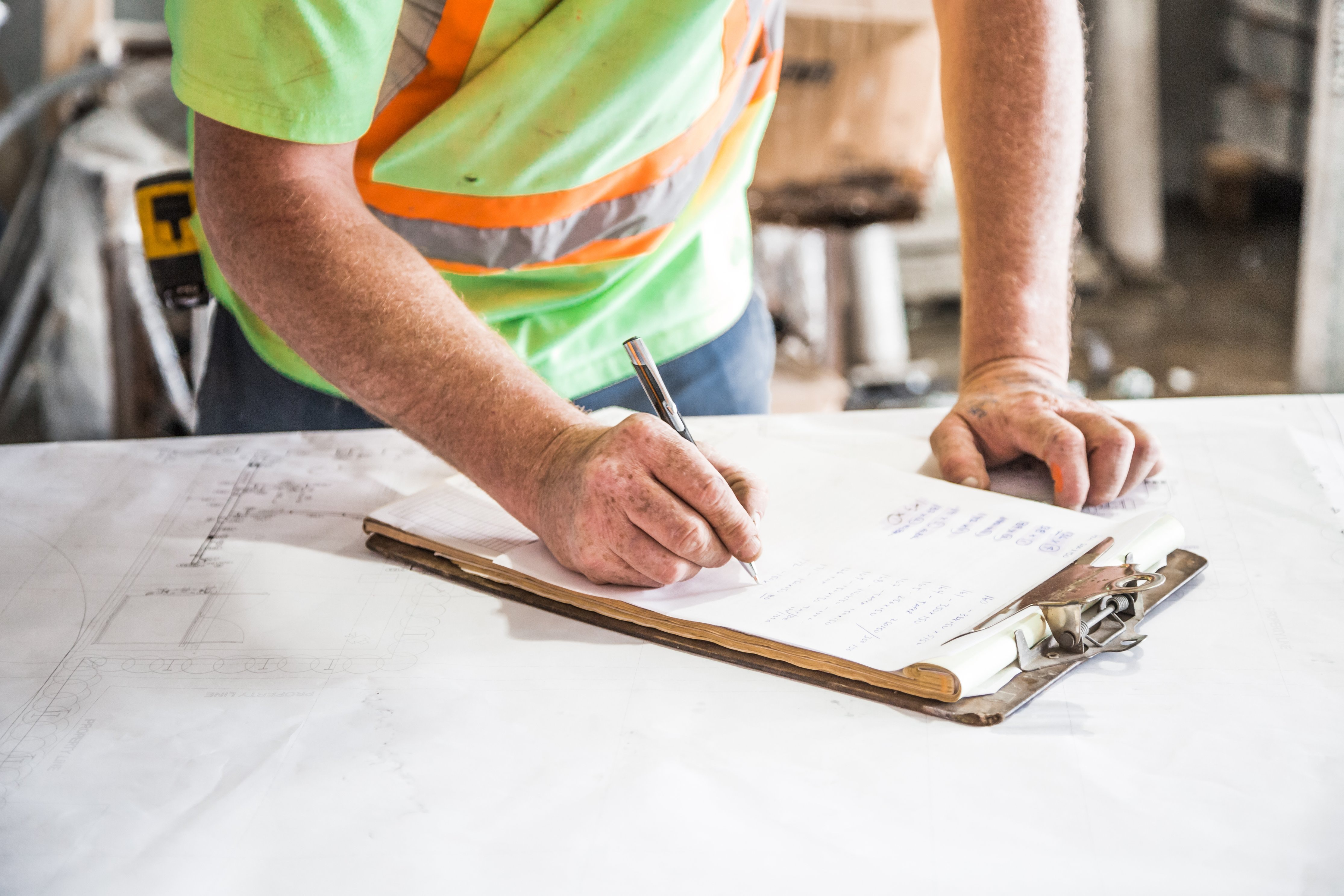 8 reasons home owners call in a contractor
