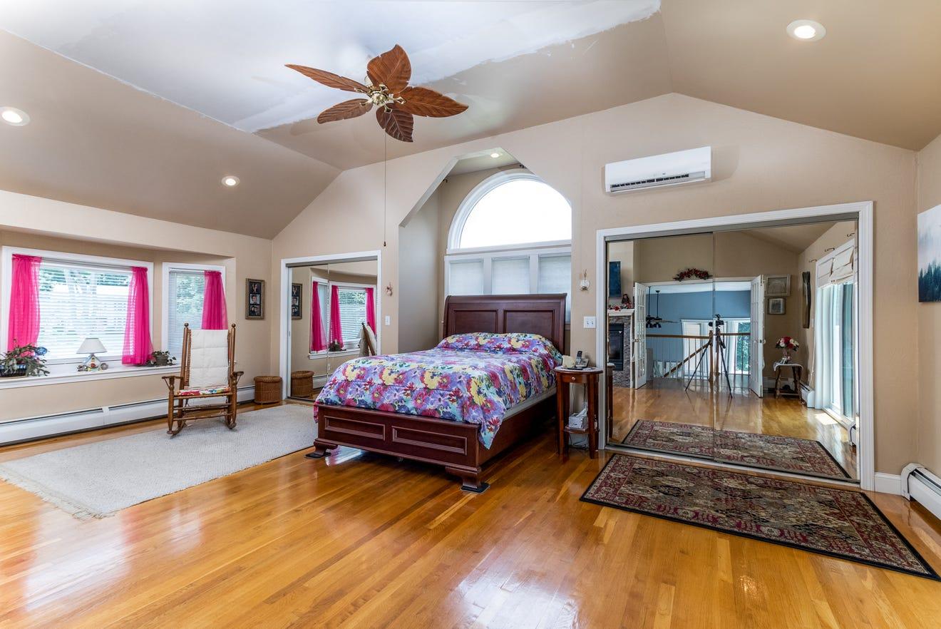 Spencer bedroom