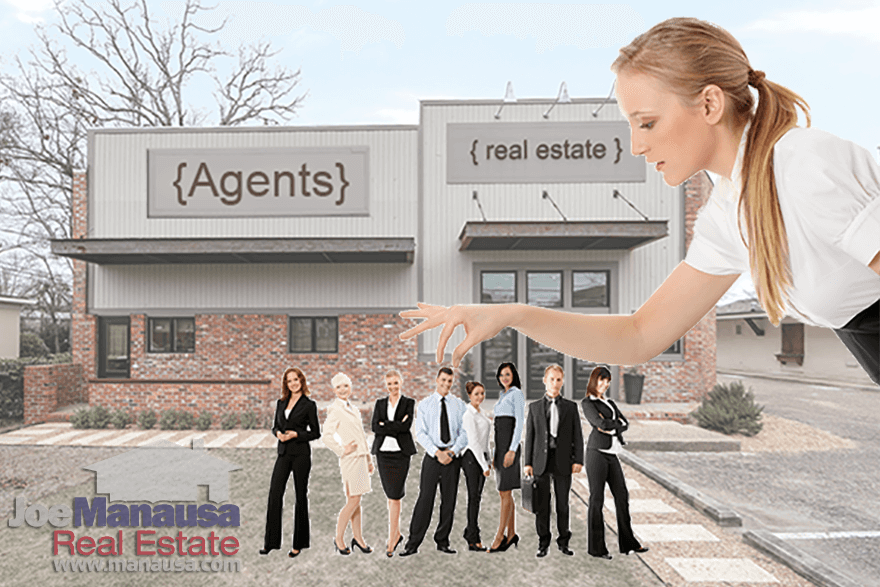When it comes time to sell your home, you'll have an important decision to make about utilizing the services of a real estate listing agent
