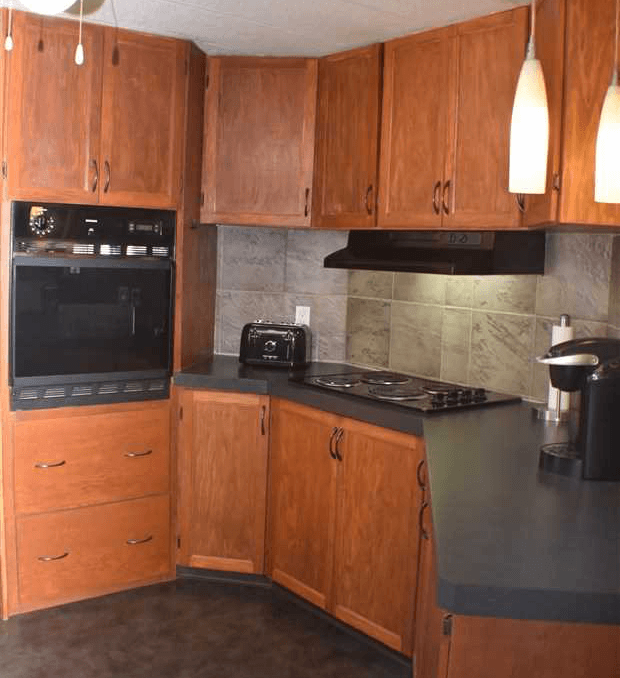 Featured Listing: 1401 Twp Rd 540, Rural Parkland County Kitchen Image