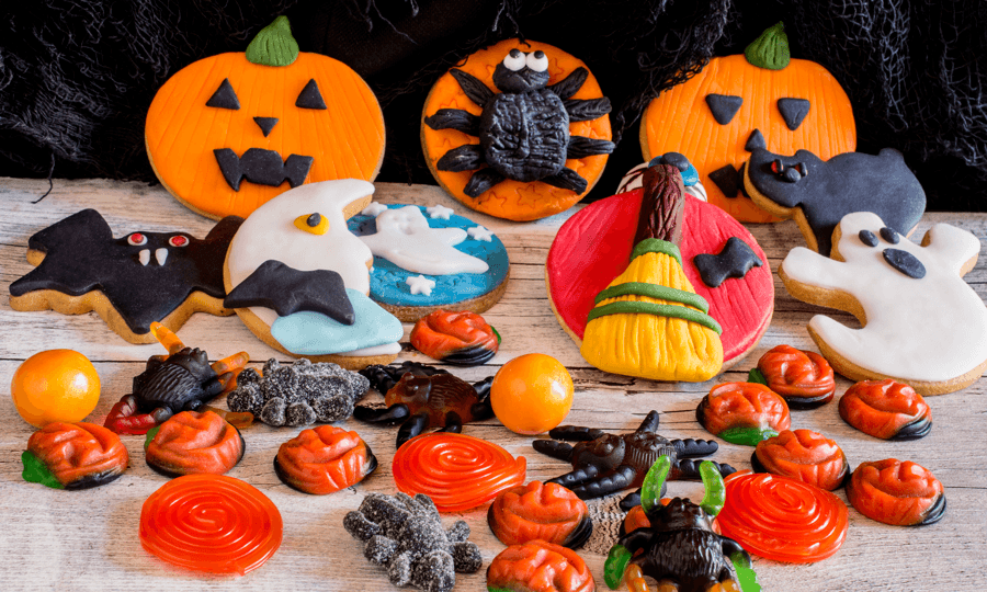 10 Ultra-Easy (and affordable) Kids Halloween Crafts Cookies Image