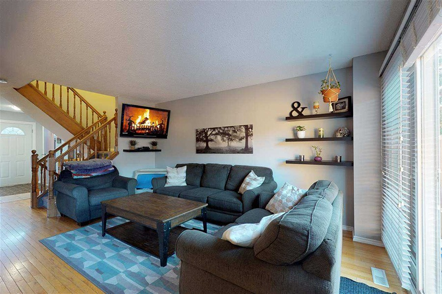 Featured Listing: 3260 130A Avenue Living Room Image