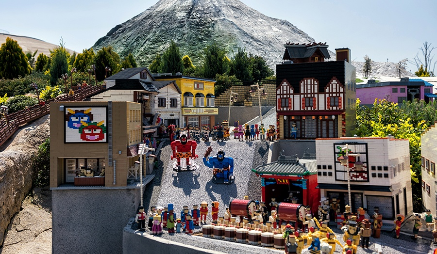 26 Must-See Virtual Tours From Around the World Legoland Image