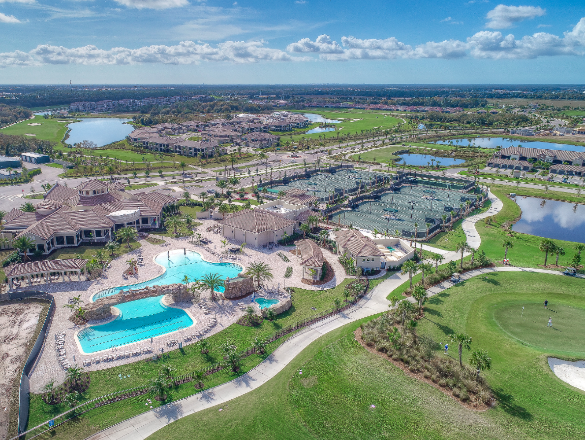 Lakewood National Amenities