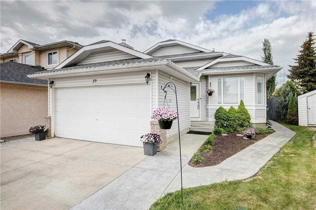 19 Sunmeadows Road, Calgary, AB