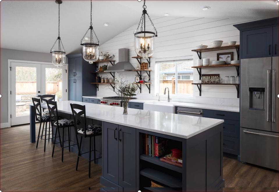 Open kitchen example in farmhouse