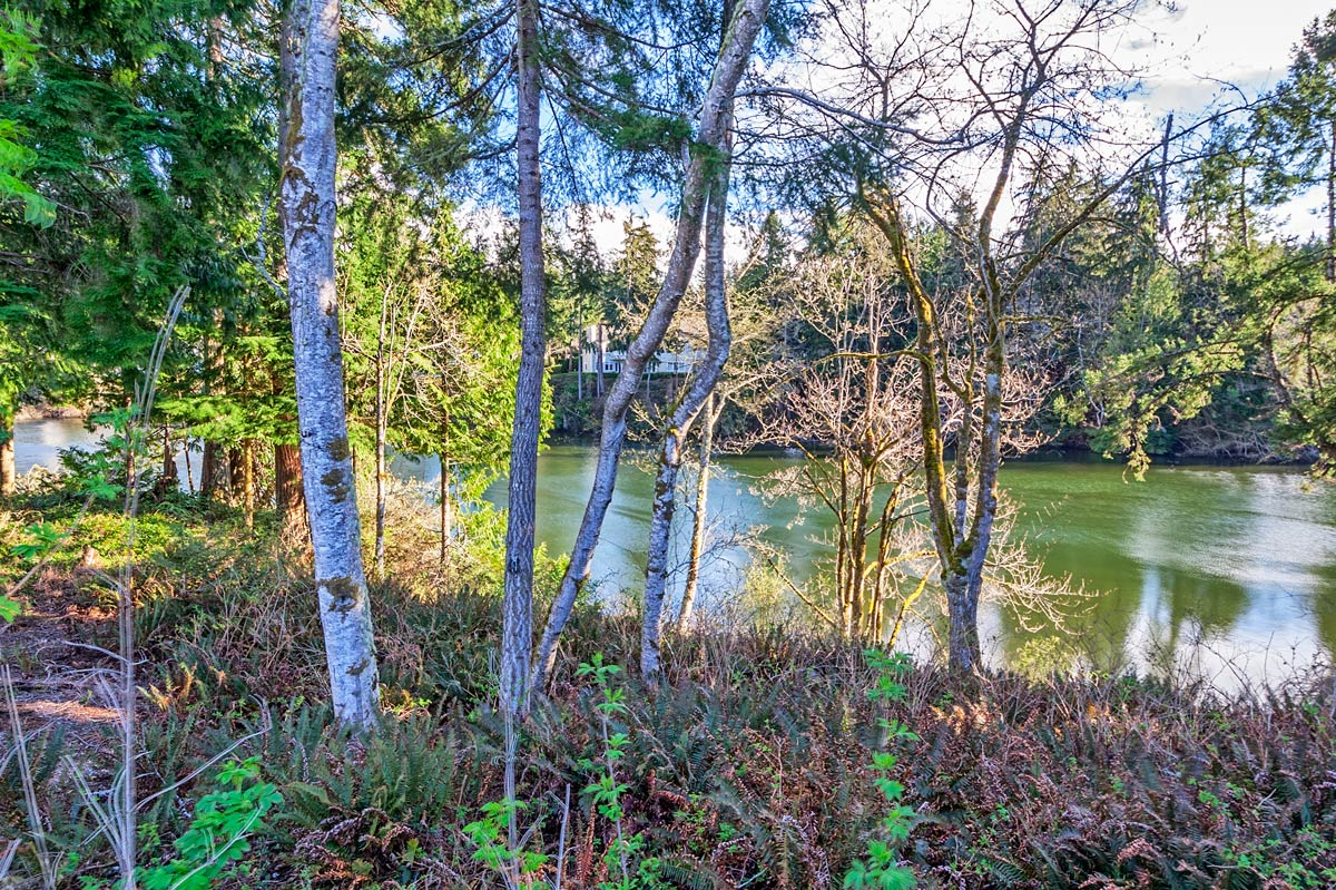 Ludlow Cove Last Available Waterfront Home Site