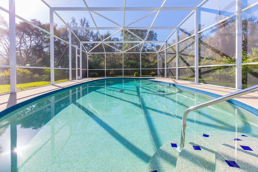 716 breckenridge pool