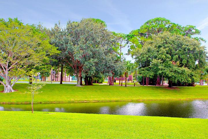 1119 11th Lane, Palm Beach Gardens, FL 33418