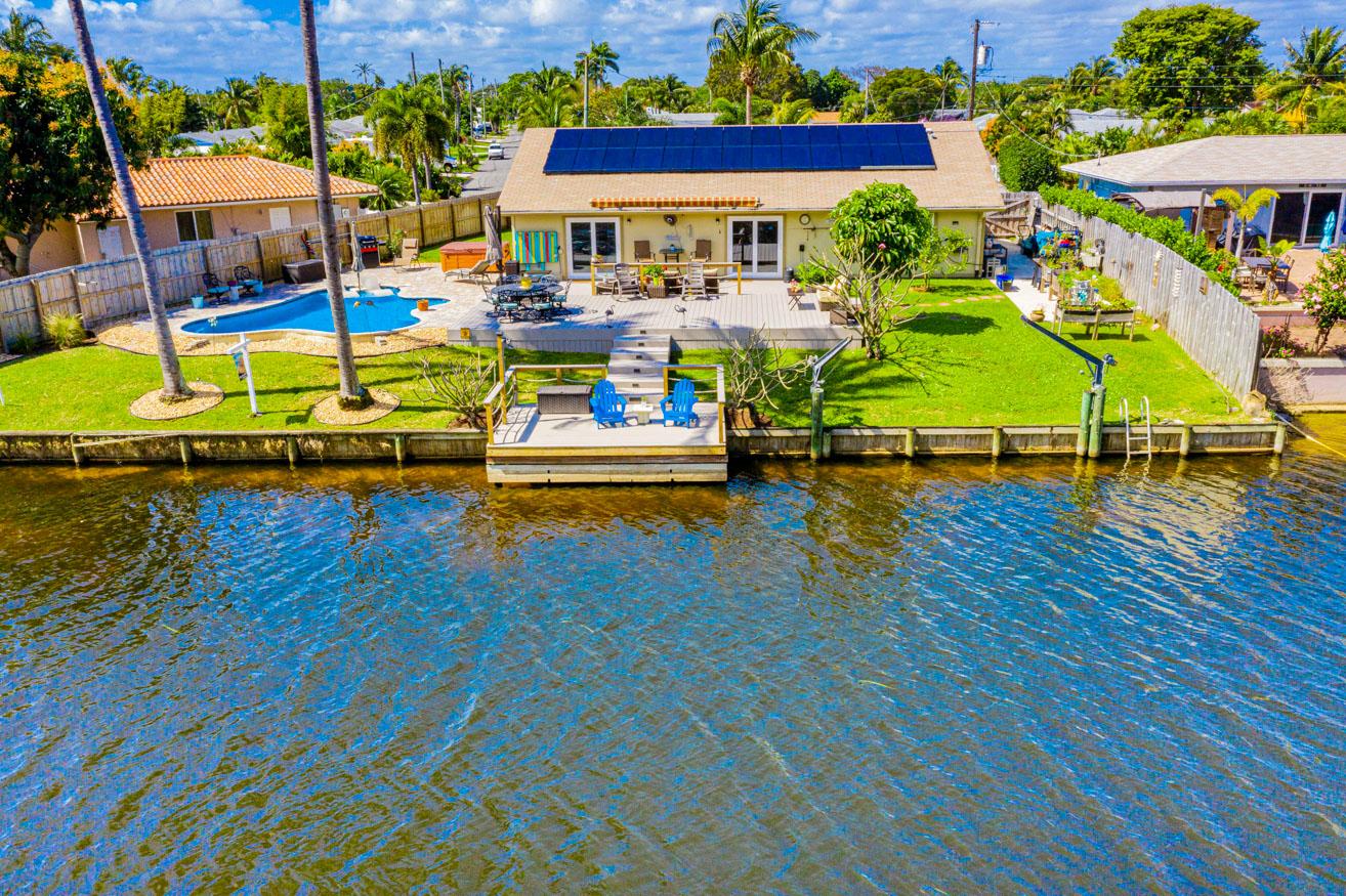 2592 SW 10th St Boynton Beach, FL 33426 was sold by top Boynton Beach agents in Golfview Harbour