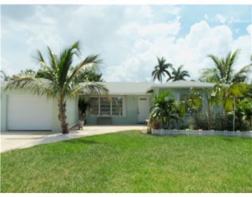305 Venice Drive, Boynton Beach, FL 33426