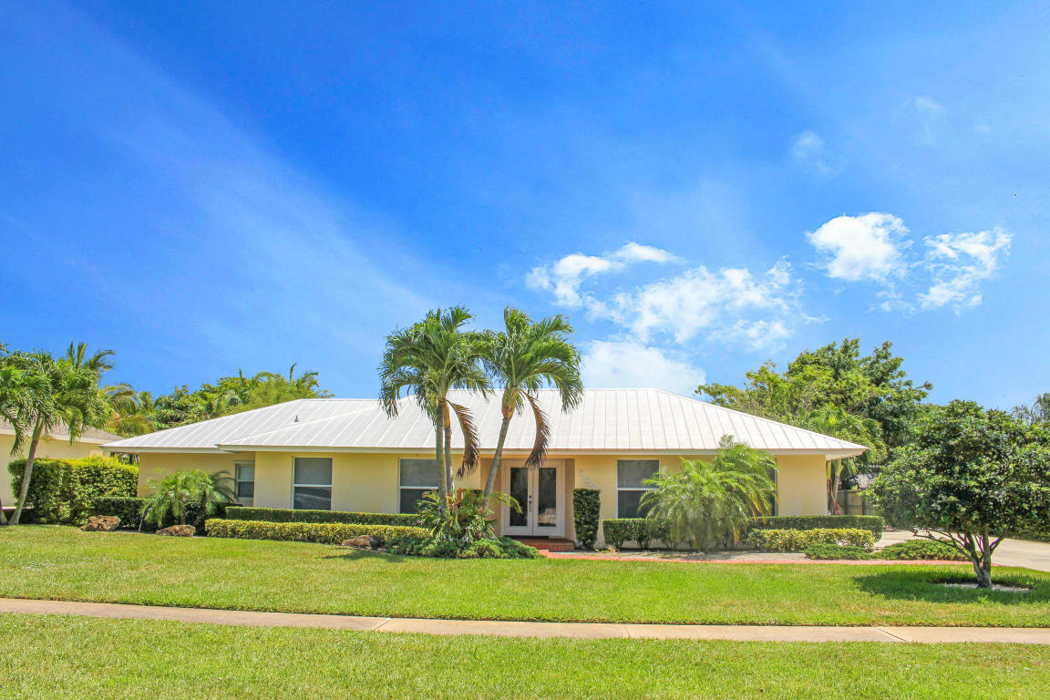 552 Greenway Dr, North Palm Beach, FL 33408