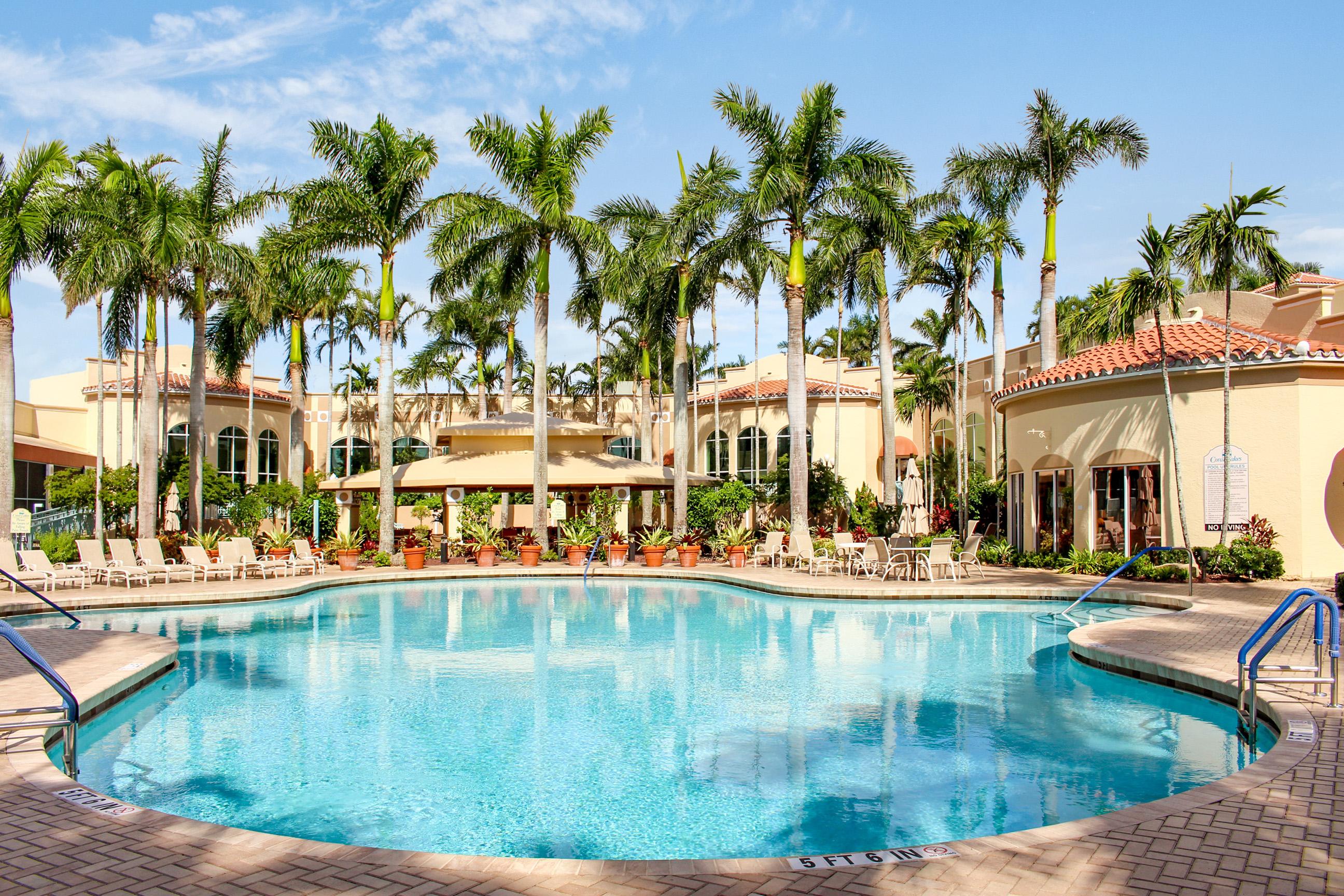Coral Lakes Real Estates