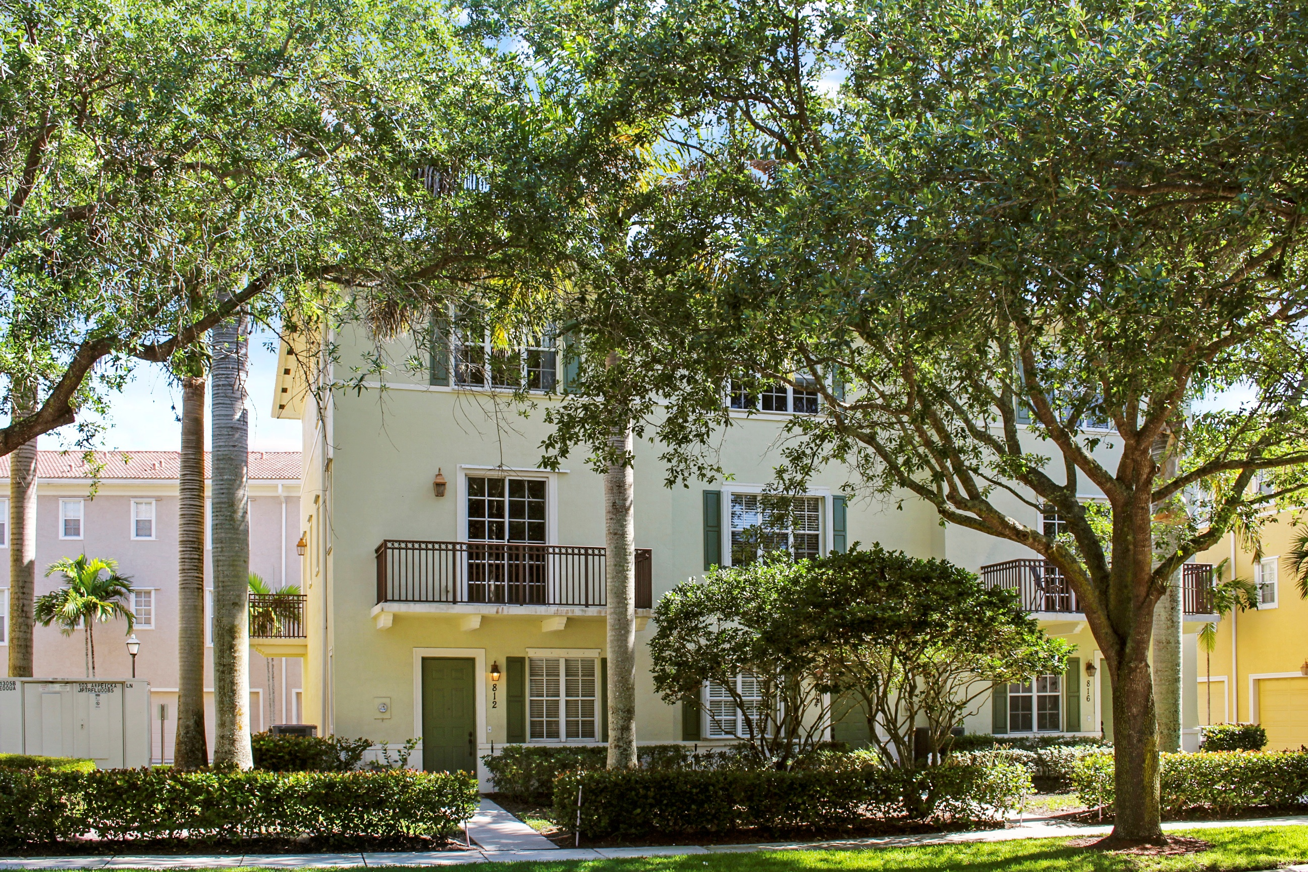812 University Blvd, Jupiter, FL 33458 was sold by top Jupiter agents in Osceola Woods