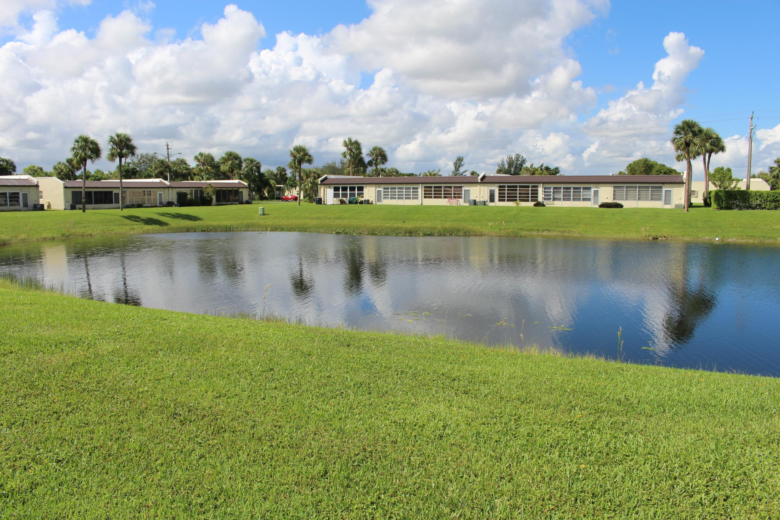 219 Lake Meryl Dr., West Palm Beach, FL 33411