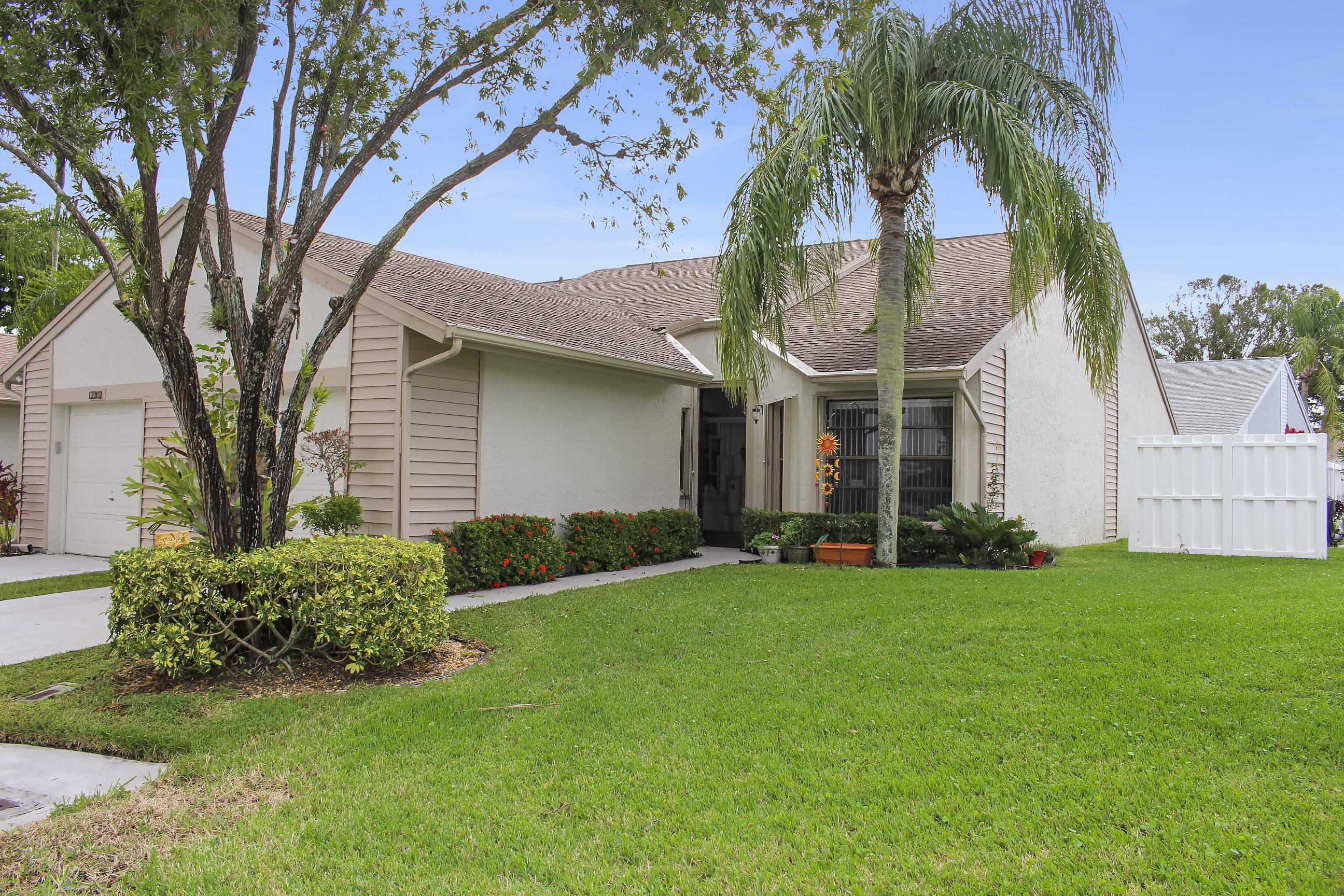 12206 Forest Greens Dr, Boynton Beach, FL 33437