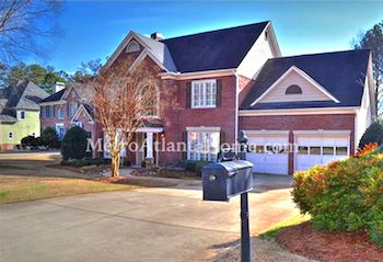 Residential real estate located in Roswell's Chimney Lakes subdivision.