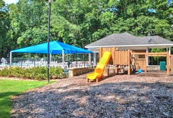 The neighborhood pool and amenities at Dunwoody North.
