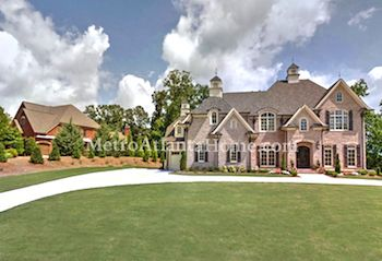 Luxury properties located in Roswell's Litchfield Hundred neighborhood.