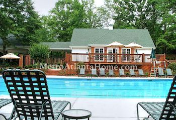 The community pool and clubhouse at Litchfield Hundred in Roswell, GA.