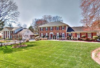 Large traditional style homes in Dunwoody's Redfield subdivision.