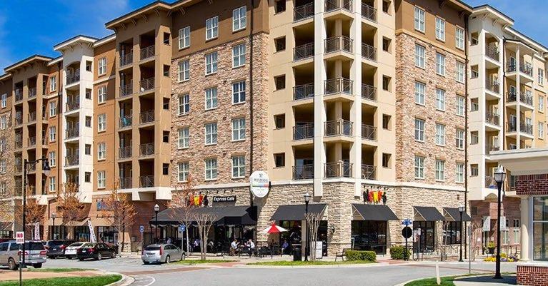Town Brookhaven apartments, restaurants and shopping located in Brookhaven, GA. 30319.
