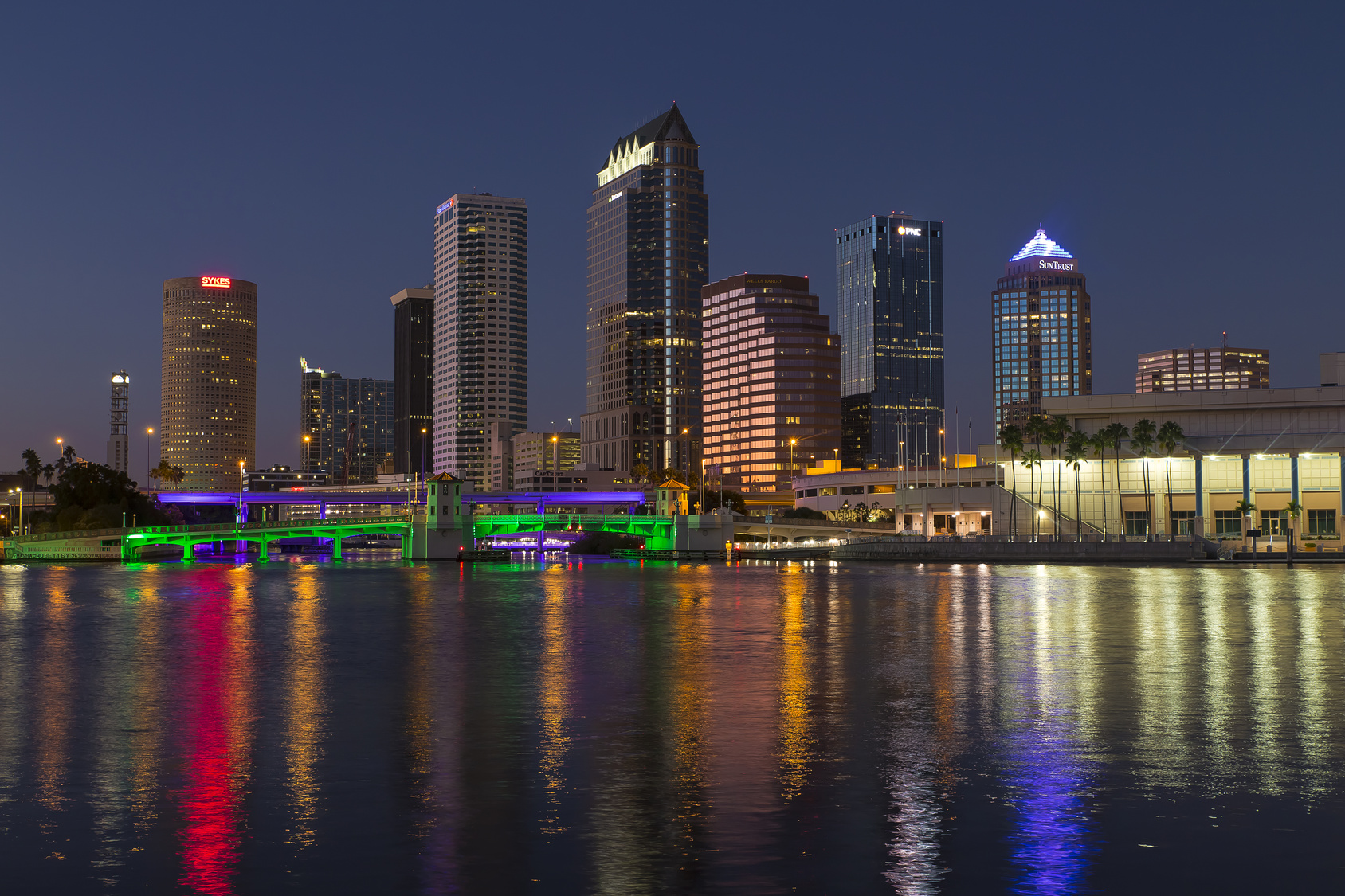 A Complete Guide to Buying Luxury Homes in Tampa