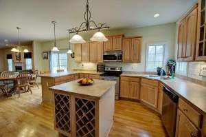 Gourmet Kitchen features stainless steel appliances!