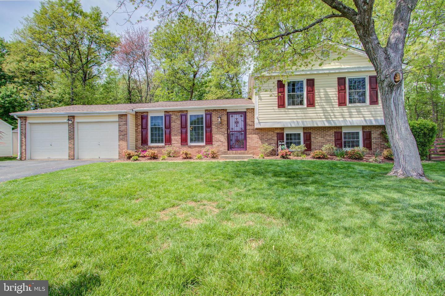 Home for sale at 117 Seneca Chase Ct, Sterling VA. 20164