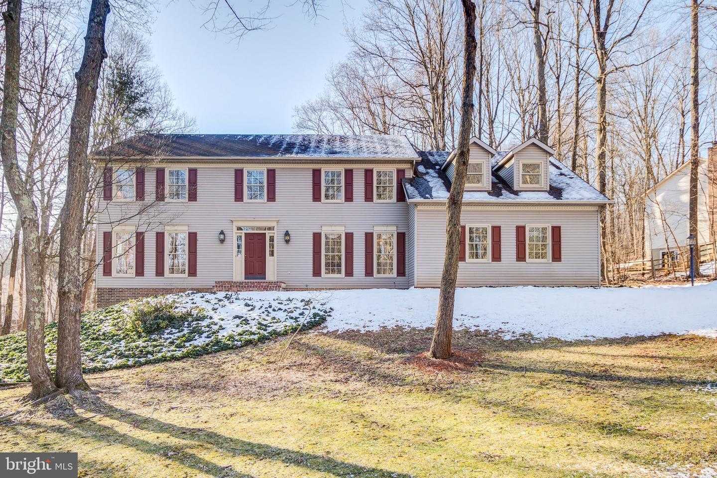 5403 Nuthatch Court in Warrenton, VA Home for Sale