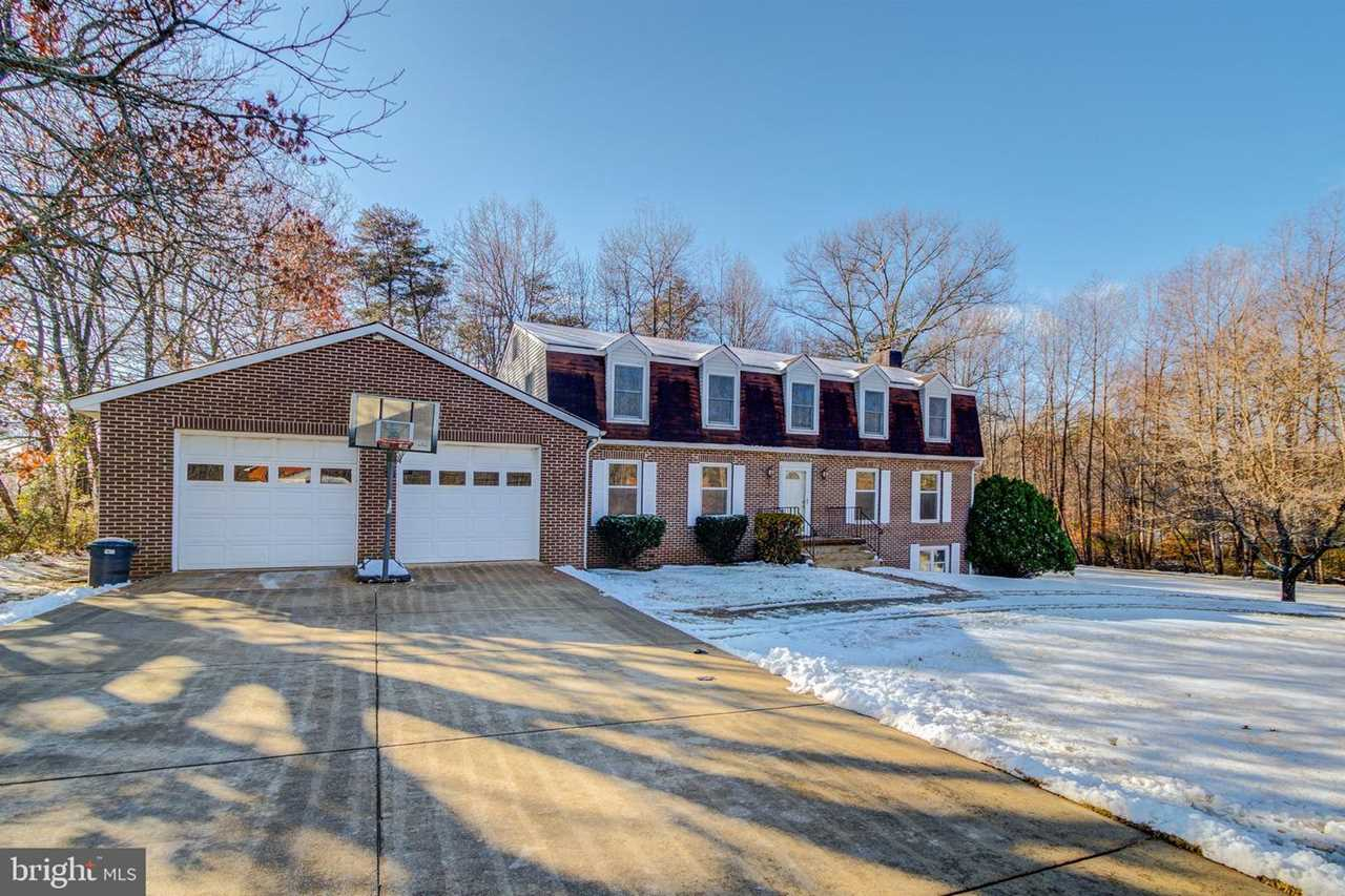 9125 Doves Lane Home for Sale in Manassas, VA front Exterior