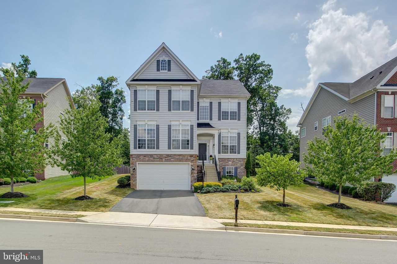 Leesburg VA Home For Sale - 43175 Rosehaven Place, Leesburg, VA