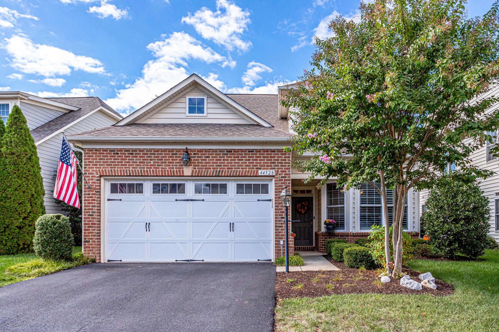 44528 Blueridge Meadows Dr, Potomac Green- For Sale