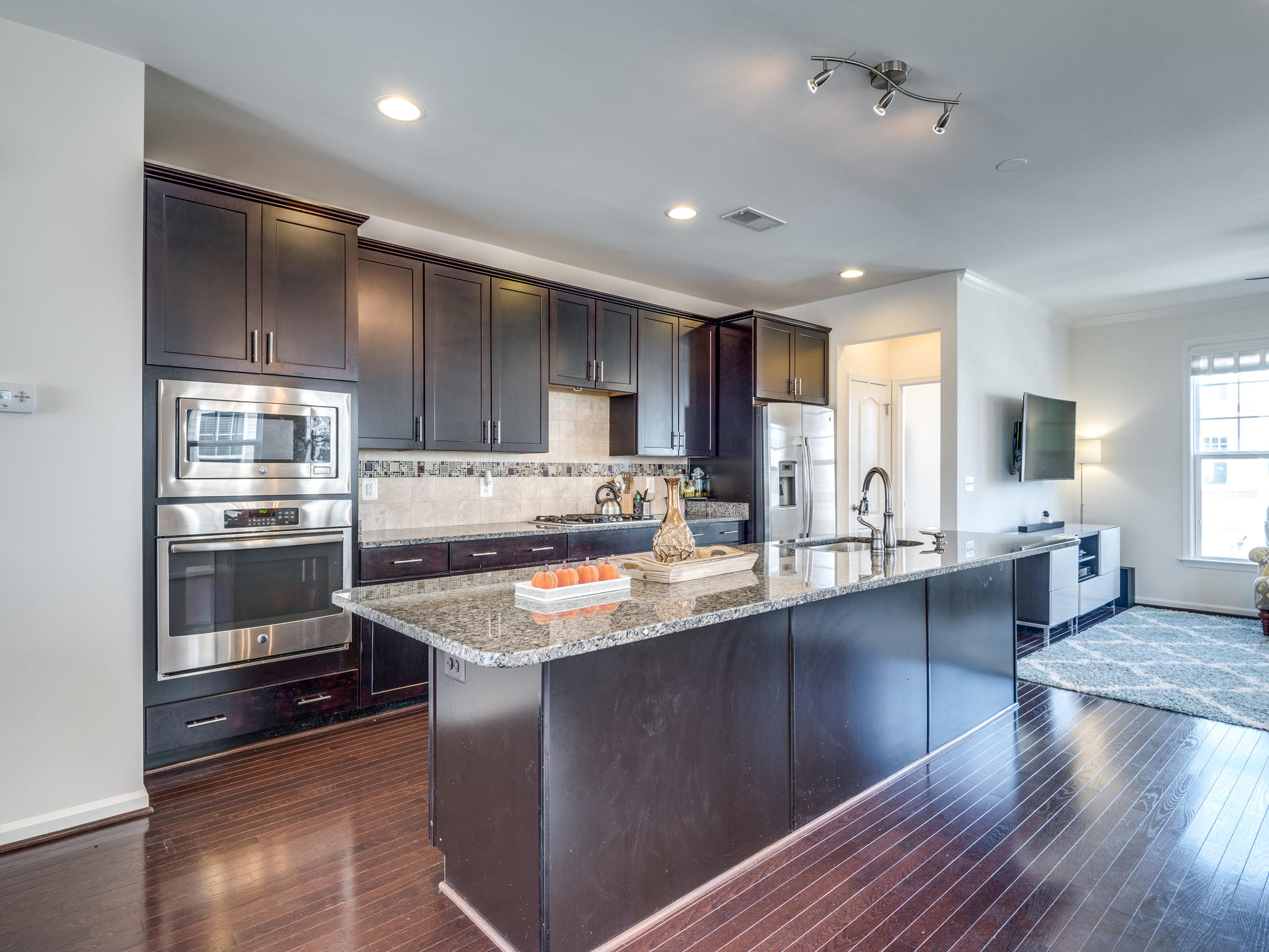 43317 Foyt Ter_Ashburn_Kitchen