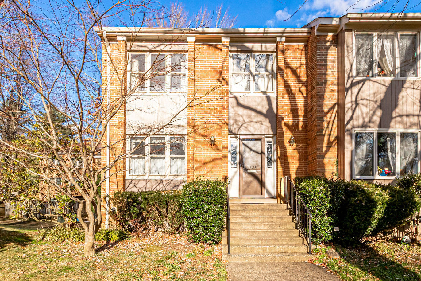 5101 Overlook Park, Annandale- For Sale