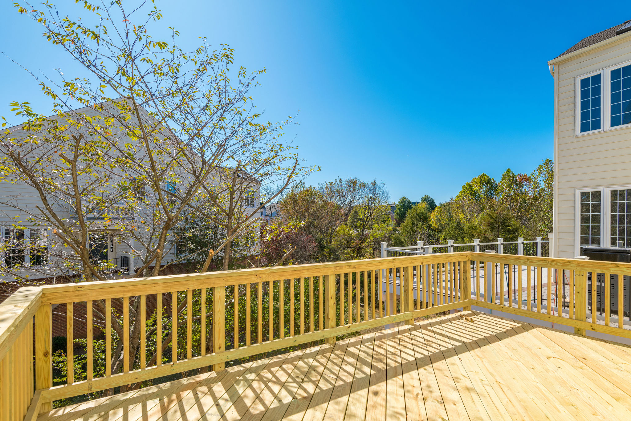 43627 Pickett Corner Ter- Loudoun Valley Estates- Deck