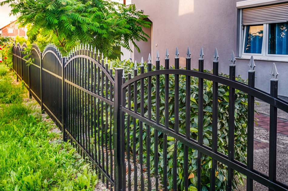 Home Fencing Options Offer Great Visual Variety