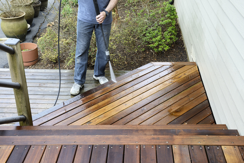 Staging and Renovating the Deck for Home Selling