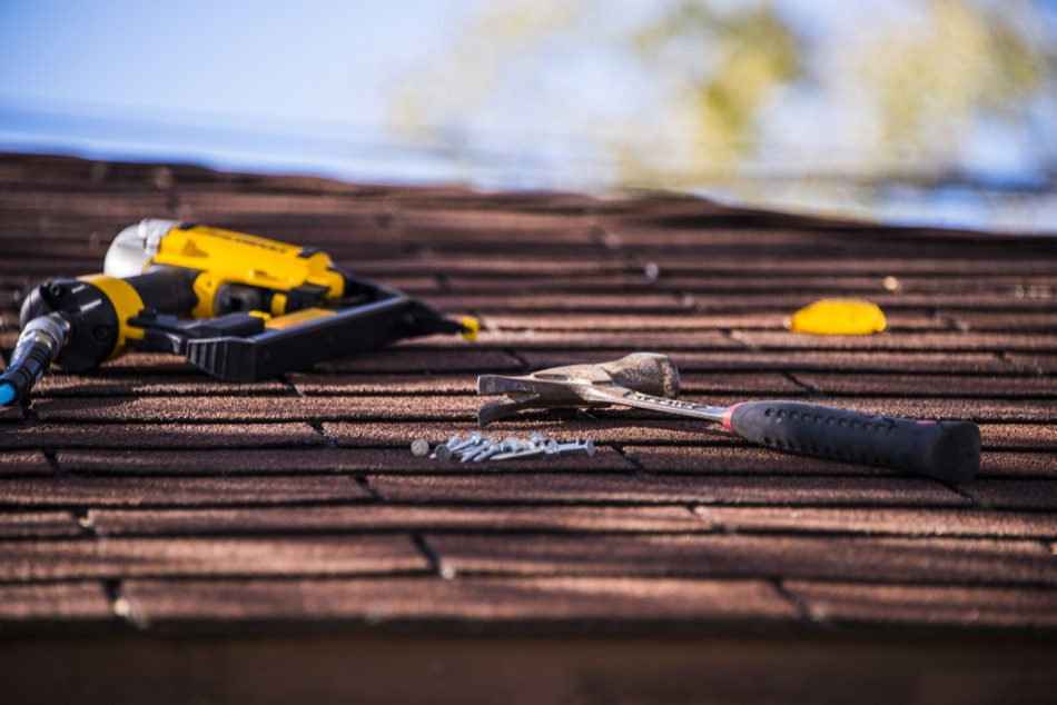 Is It Time to Repair or Replace a Roof?
