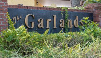 Garlands Sub