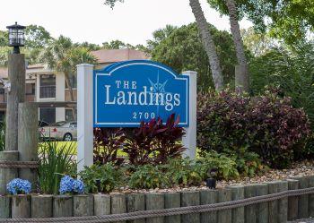 landings sub sign