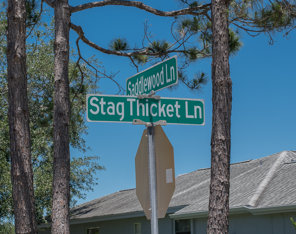 stag thicket street sign