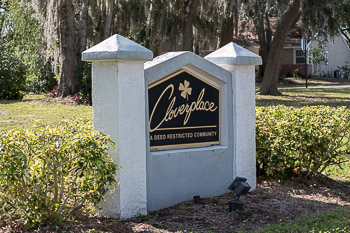 cloverplace sign