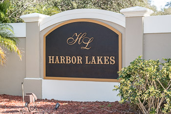 harbor lakes sign