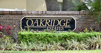 oakridge estates sign