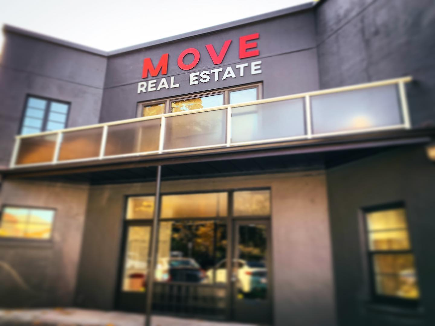 Move Real Estate New Office in Oregon City