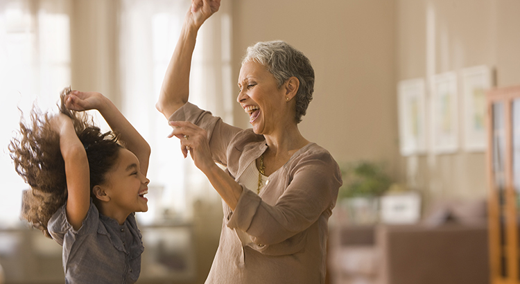 5 Reasons to Consider Living in a Multigenerational Home