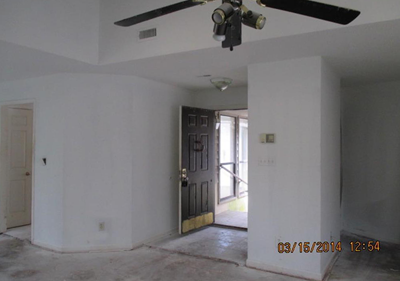 Before picture of interior entry way