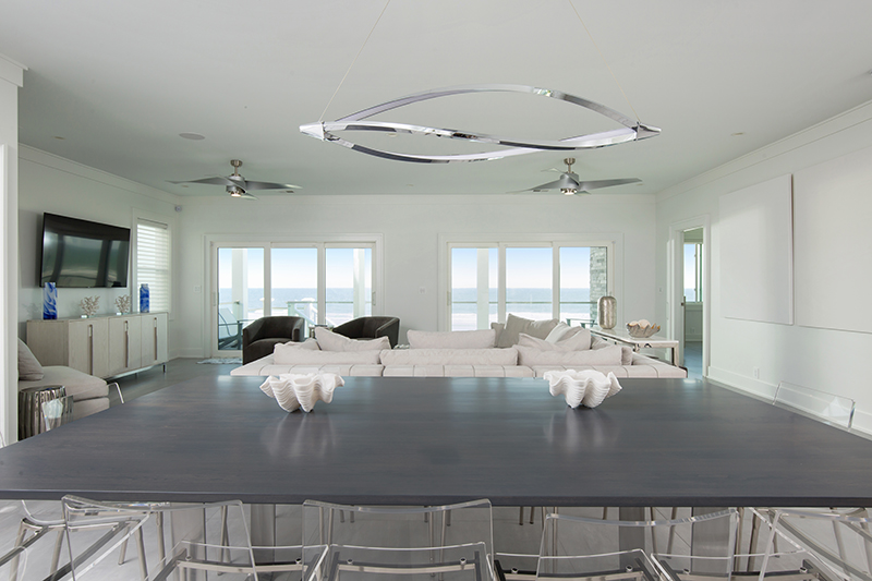 Living Area and Kitchen Views of the Ocean